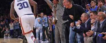 Knicks send fans home happy after crazy, roller-coaster win